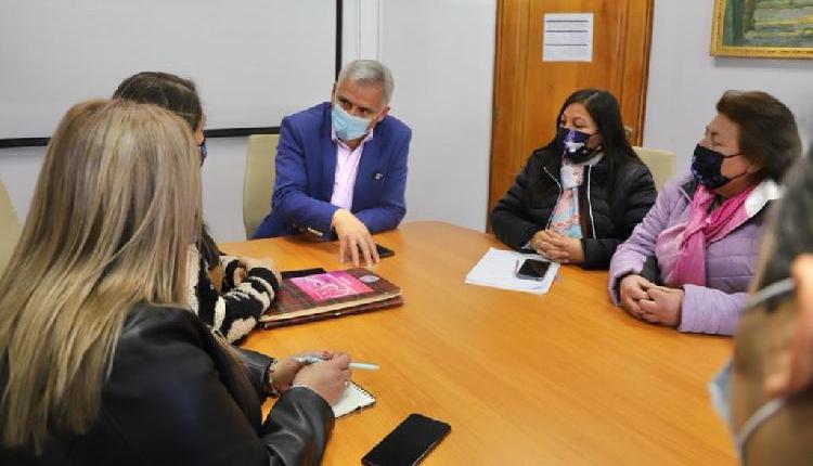 Gobernador Regional compromete apoyo a Asociación Regional Guatita de Delantal para que se retomen cirugías